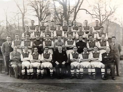 1937-38 Arsenal team Photo.